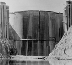 Hoover Dam in 1935 just before filling