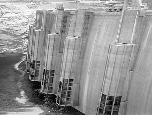 Glen Canyon Dam during initial filling in 1963